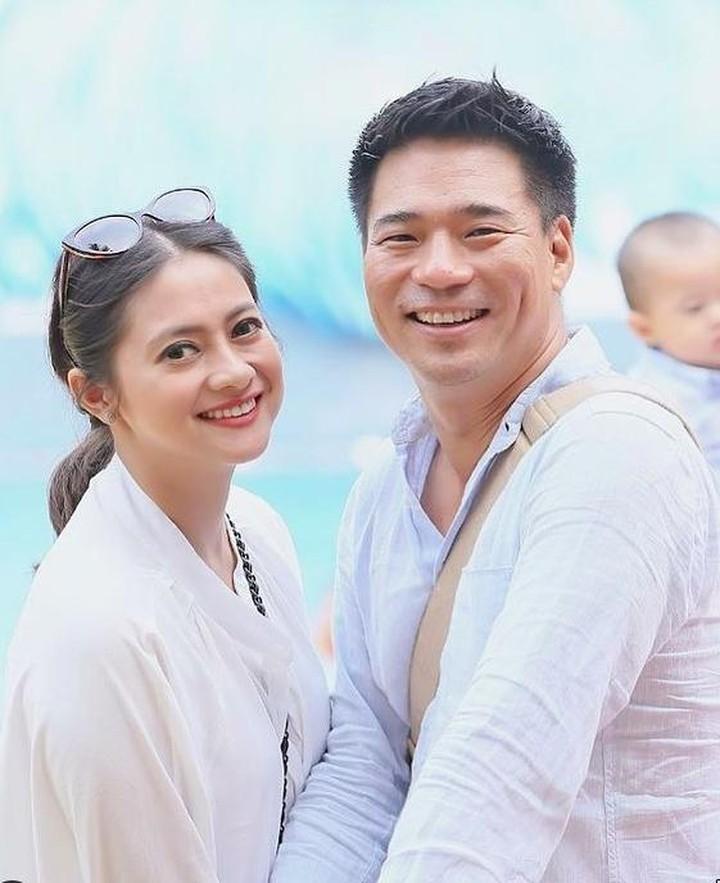Rini Yulianti dan suami Korea