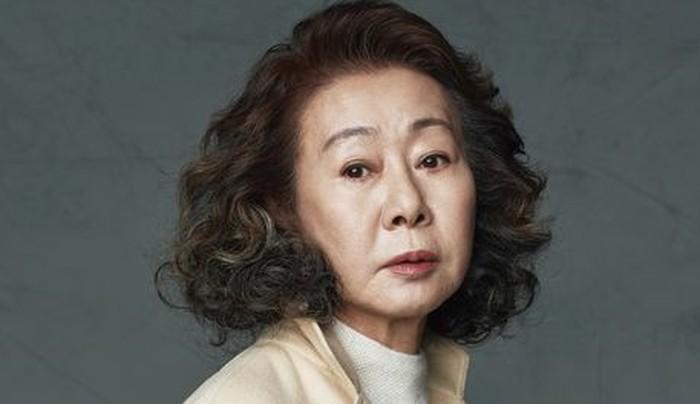 Yeon Yuh Jung, telah berkarier selama lebih dari 50 tahun di industri perfilman, dan sukses menjadi aktris Korea pertama yang mendapat piala Oscar 2021! / foto: viki.com