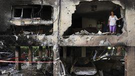 Sembunyi di Terowongan, 10 Warga Gaza Selamat dari Bom Israel