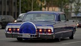 Lowrider merupakan gaya dari kendaraan modifikasi yang bermula dari Los Angeles, California pada pertengahan hingga akhir 1940-an.
