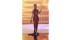 Gaun Tex Saverio Kembali Melenggang di Panggung Miss Universe