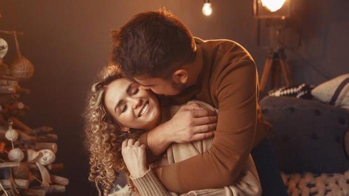 6 Hal Mengejutkan yang Terjadi Pada tubuh Ketika Berciuman