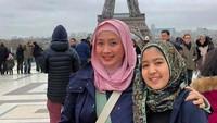 <p>Dari pernikahannya yang kedua dengan Sammy Hamzah, Desy Ratnasari dikaruniai anak perempuan bernama Nasywa Nathania Hamzah. (Foto: Instagram @desyratsariterdepan)</p>