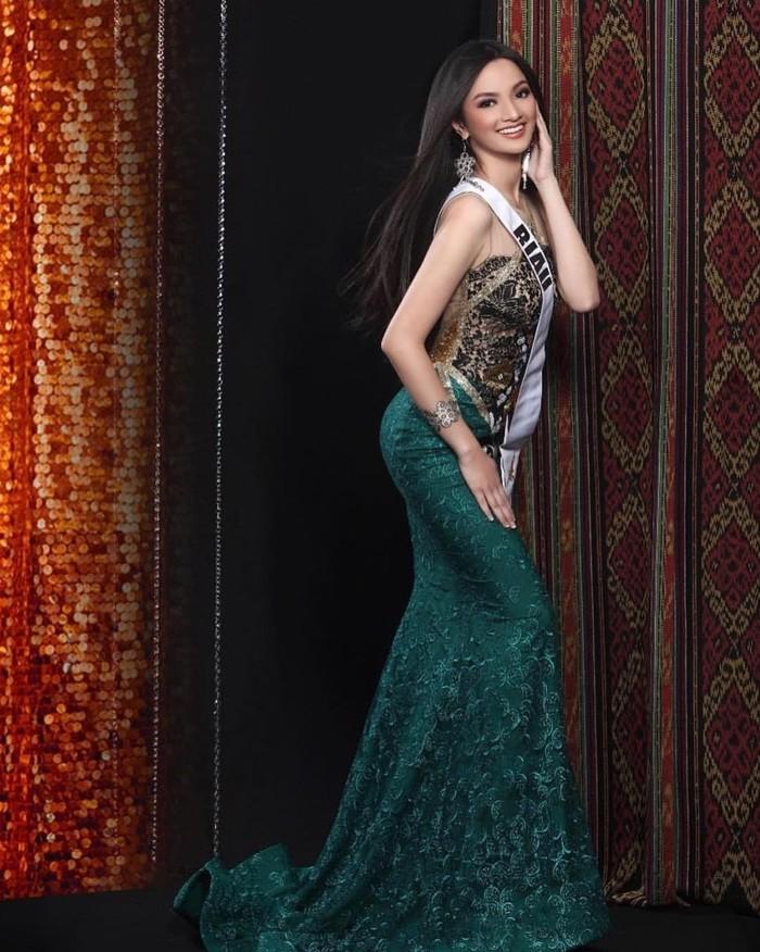 Sabrina Anggraini adalah Puteri Indonesia dari Provinsi Riau. Ajang ini jugalah yang membuat Sabrina mulai banyak dikenal publik. (Foto: instagram.com/sabrinaanggraini)