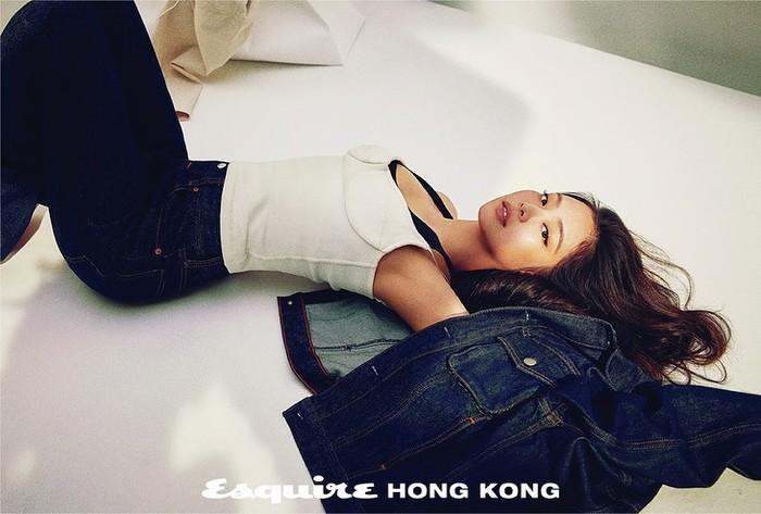 Tanpa ragu-ragu, inner sexy yang Jennie keluarkan membuat penampilannya semakin all out / foto: instagram.com/esquirehk