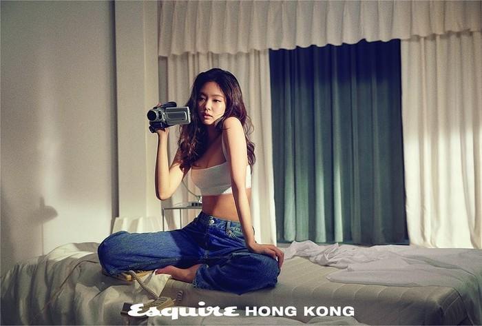 Tidak heran kalau Jennie dijuluki sebagai ratu iklan brand terkenal / foto: instagram.com/esquirehk