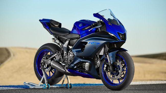 Yamaha YZF-R7 adalah moge jenis fairing yang bisa dipilih penggemar mesin MT-07 namun ingin merasakan rasa berkendara sport menjurus balap di sirkuit.