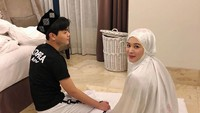 <p>Tak seperti Ayana, Aydin mantap mempelajari Islam di Korea Selatan. Sedangkan Ayana berpindah-pindah ke Malaysia hingga Indonesia sekaligus untuk menyelesaikan sejumlah pekerjaannya. (Foto: Instagram: @aydinmoon)</p>