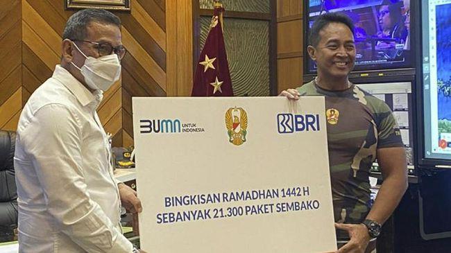 BRI menyampaikan apresiasi atas dedikasi TNI AD membantu penanganan Covid-19 lewat penyaluran 21.300 paket sembako pada Senin (10/5).