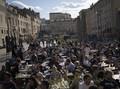 FOTO: Euforia Prancis Nongkrong di Kafe Usai 6 Bulan Lockdown