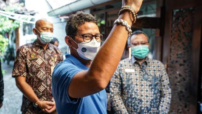 Mendukung kebijakan PPKM Level 4 di Jawa dan Bali pada 21-25 Juli 2021, Sandiaga menegaskan Kemenparekraf akan tetap hadir bagi masyarakat sektor parekraf.