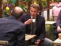 VIDEO: Lockdown Prancis Dilonggarkan, Macron Ngopi di Kafe