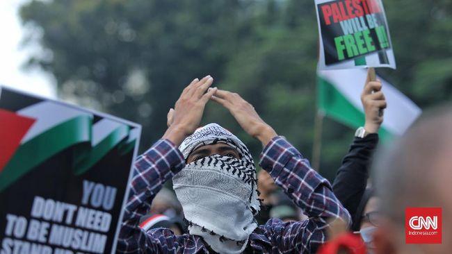 Survei SMRC menunjukkan 71 persen warga Indonesia menilai Israel pihak yang bersalah dalam konflik dengan Palestina.