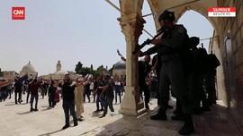 VIDEO: Bentrok Polisi Israel-Warga Palestina di Al Aqsa