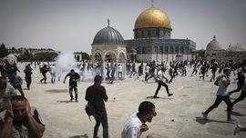 FOTO: Ricuh di Al-Aqsa Usai Gencatan Senjata Israel-Palestina