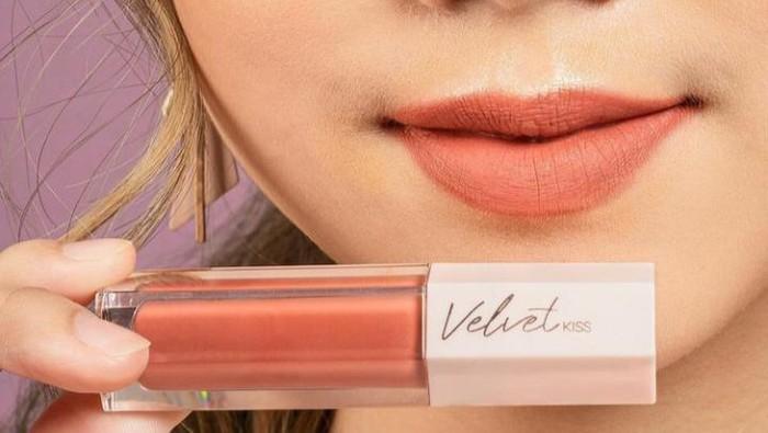 4 Lip Cream Lokal dengan Velvet Finish Cantik di Bawah Rp80 Ribu