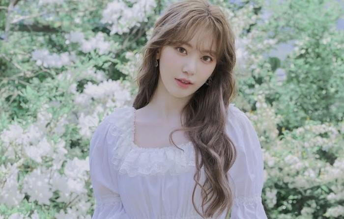 Aktivitasnya di IZ*ONE membuat Sakura harus menetap di Korea, dan vakum dari kegiatannya sebagai anggota HKT48 / foto: instagram.com/39saku_chan