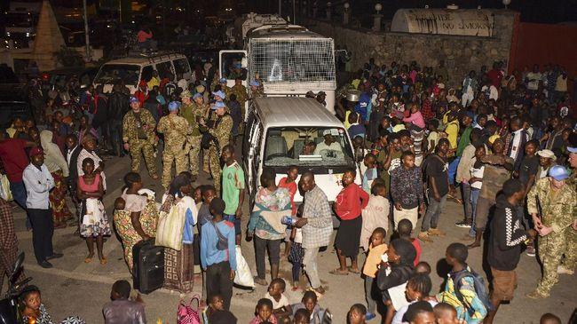 Ribuan warga Kota Goma, Republik Demokratik Kongo mengevakuasi diri pada Minggu (23/5) pagi waktu setempat setelah Gunung Nyiragongo meletus malam sebelumnya.