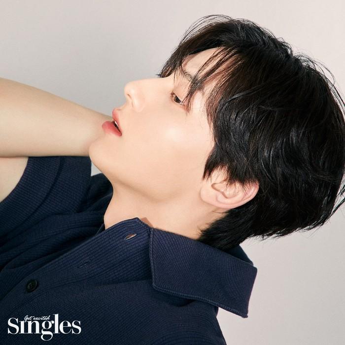 Ini bukan pertama kali Minhyun menjadi model Lancome. Sebelumnya, idol pria dengan fitur wajah dan image menarik ini juga pernah membuat fans heboh dengan kemunculannya sebagai model lip produk Lancome / foto: m.thesingle.co.kr