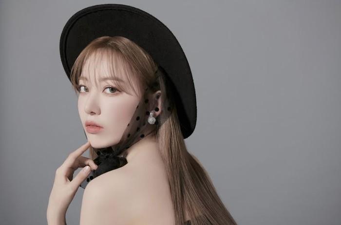 Sakura juga menjadi salah satu visual line di IZ*ONE. Masyarakat Korea banyak yang kagum dengan visual Sakura yang memukau / foto: instagram.com/39saku_chan