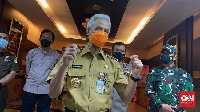 Gubernur Jateng Ganjar Pranowo meminta masyarakat disiplin menerapkan protokol kesehatan guna menghindari penularan kasus varian India yang sudah masuk Kudus.