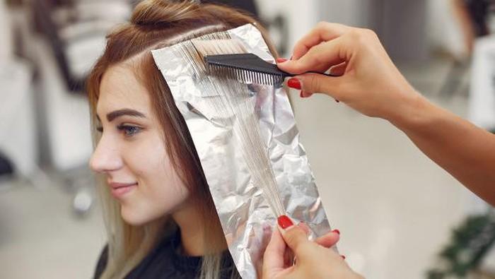 Tips Menghindari Rambut Rusak Setelah Bleaching