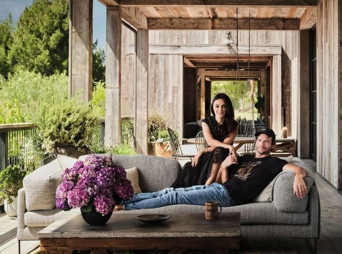 Mila Kunis dan Ashton Kutcher berhasil merampungkan rumah impian mereka yang bertema rumah perkebunan dengan sentuhan modern. (Foto: instagram.com/archdigest)