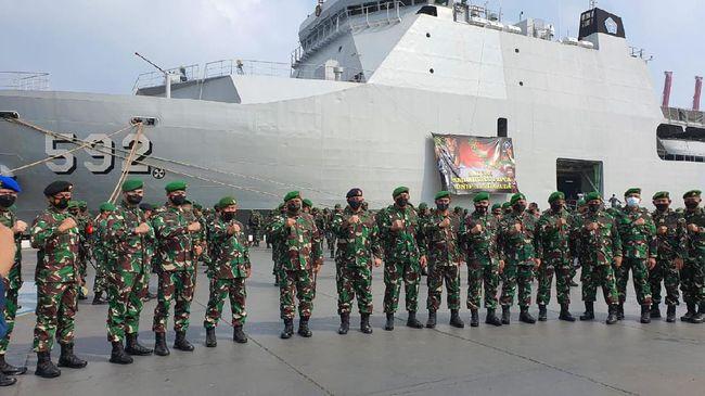 TNI menambah kekuatan Pasukan Setan di Papua dengan memberangkatkan 400 personelnya menggunakan KRI Banjarmasin 592, Senin (24/5).