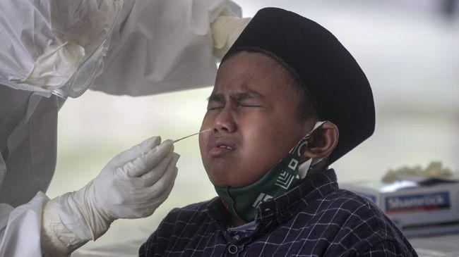 Menteri Kesehatan Malaysia, Adham Baba, mengungkap bahwa sebanyak 82 ribu anak di Negeri Jiran teridentifikasi positif Covid-19.