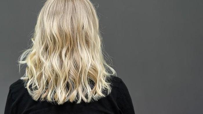 Beberapa Hal yang Harus Diketahui Sebelum dan Sesudah Melakukan Bleaching Rambut Sendiri