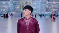 <p>Defano Charies berhasil menarik perhatian dengan penampilannya yang tak kalah seperti idol Kpop. Di tambah lagi, ia memiliki perawakan proporsional dengan selera fashion yang selaras. (Foto: Instagram @defanocharies)</p>