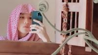 <p>Nama Defano Charies makin dikenal sejak jadi mualaf. Pria kelahiran Semarang ini membagikan momen membaca syahadat pada 8 November 2019 di akun Instagram pribadinya. (Foto: Instagram @defanocharies)</p>