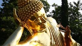 5 Patung Buddha Berbaring yang Terbesar di Indonesia