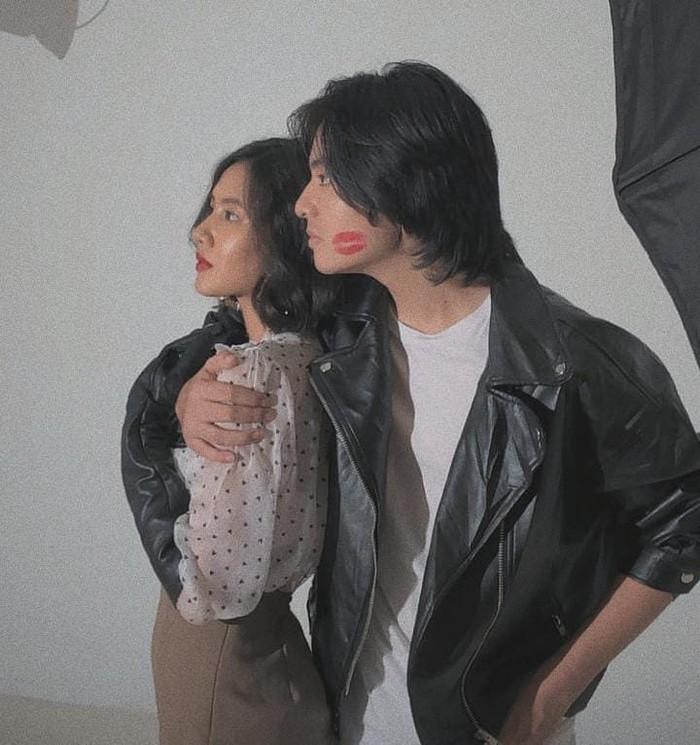Keduanya juga pernah terlibat dalam sebuah pemotretan yang meraih banyak perhatian netizen. Bahkan hubungan Angga dan Shenina ini juga mendapat banyak dukungan dari netizen loh. (Foto:Instagram.com/support.shenangga)