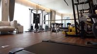 <p>Rumah mewah Gilang dan Shandy juga dilengkapi ruang gym lho, Bunda. (Foto: YouTube: Boy William)</p>