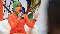<p>Tak jarang, Siti Atikoh juga posting hasil hinggacuplikanpertandingan MU di feed Instagram lho. (Foto: Instagram @atikoh.s)</p>