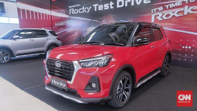 Toyota menargetkan penjualan Raize lebih besar ketimbang Daihatsu Rocky, hal ini berpengaruh pada produksi yang belum sanggup memenuhi.