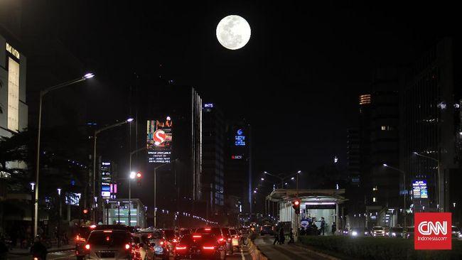 Fase Bulan baru akan berlangsung pada 10 Juni 2021, bertepatan dengan fenomena Gerhana Matahari Cincin.
