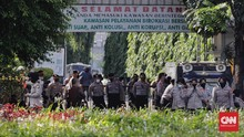 Polisi Tutup Jalan Arah Pulo Gebang di Arena Vonis Rizieq