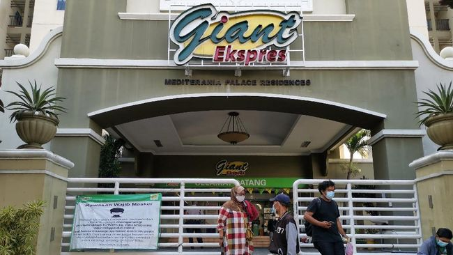 PT Hero Supermarket Tbk mengklaim telah menyampaikan soal ketentuan pemberian pesangon kepada seluruh karyawan Giant yang di-PHK.