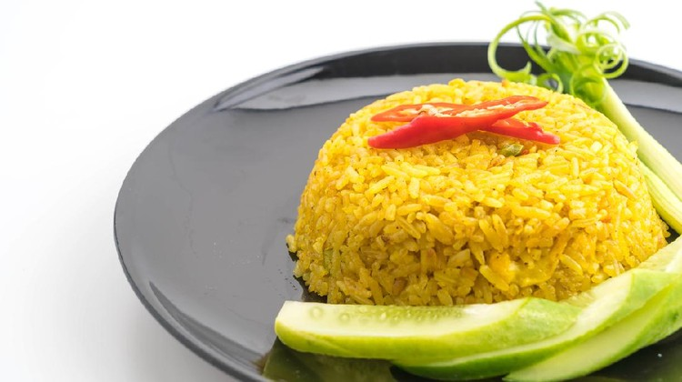 curry fried rice in