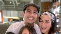 <p>Dari pernikahan itu, Rio dan Sabrina dikaruniai dua buah hati. Rio memboyong keluarganya pindah ke Yogyakarta beberapa tahun lalu. (Foto: Instagram: @sabriakono)</p>