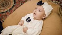 <p>Memiliki perpaduan gen dari kedua orang tuanya, Indonesia dan Arab, Ali sudah terlihat ganteng dari lahir nih, Bunda.(Foto: Instagram @vebbypalwinta)</p>