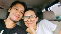<p>Meski Eross dahulunya sempat dikabarkan dekat dengan beberapa artis wanita, pria kelahiran Yogyakarta tersebut akhirnya menikah dengan Sarah pada 24 September 2009 silam. (Foto: Instagram)</p>