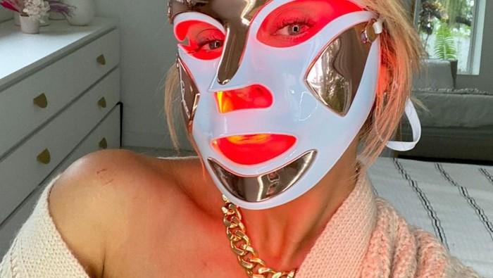 Inilah Manfaat LED Mask yang Bisa Kamu Dapatkan