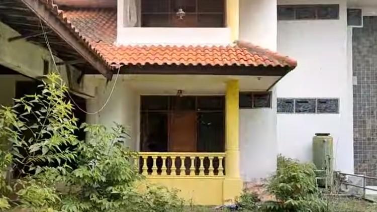 Rumah terbengkalai 20 tahun