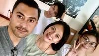 <p>Daripernikahan dengan Anjasmara,Dian Nitami dikaruniai dua orang anak, yakni Sasikirana Asmara dan Arka Setya Andipa Asmara. (Foto: Instagram)</p>