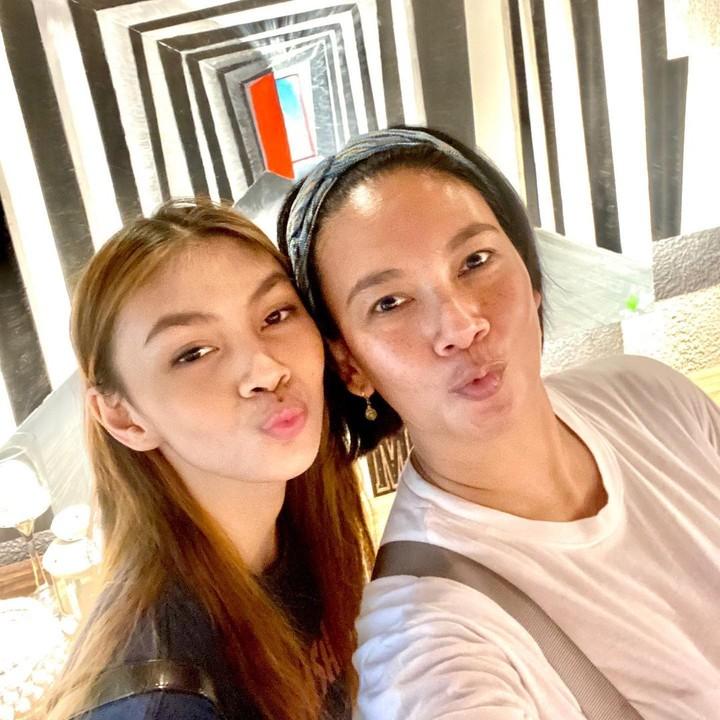 Dian Nitami dan putrinya