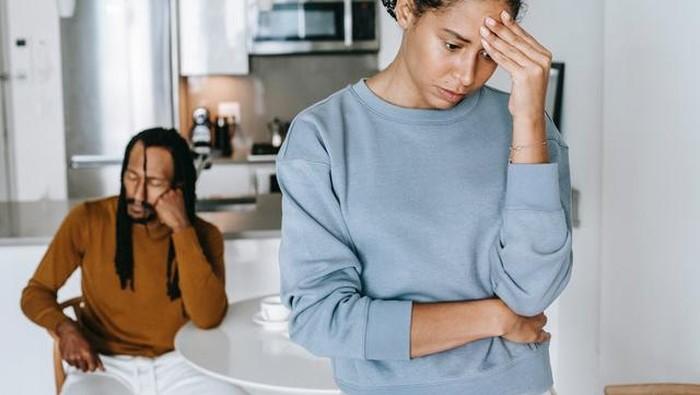 Perlu Dihindari, Berikut Jenis Komunikasi yang Bisa Merusak Hubunganmu dengan Pasangan