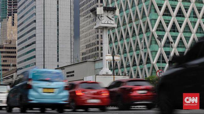 Polda Metro Jaya bakal memasang barrier atau pembatas serta menerjunkan personel di 10 ruas jalan yang disekat selama PPKM mikro 22 Juni-5 Juli 2021.